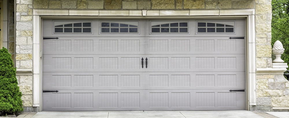 New garage door installed by garage door professionals in the Everett, WA area